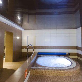 Hidromasažinio baseino, burbulinės vonios įrengimas visoje Lietuvoje